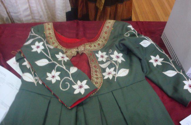 Teresa Alvarez - 15th century German dress with embroidery